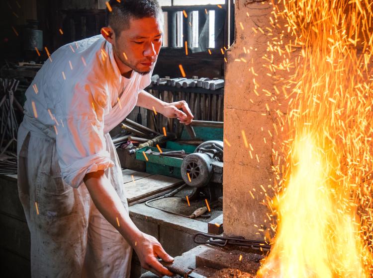 淺野鍛冶屋 刀匠 房太郎の鍛冶場の写真